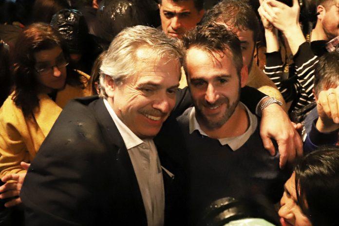 Alberto Fernandez apoyo el voto de boleta completa, en señal de apoyo a Federico Achaval.