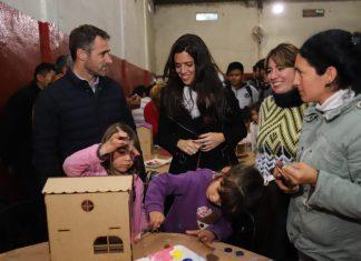 Luana Volnovich, candidata a diputada nacional, visitó Derqui junto a Federico Achaval.