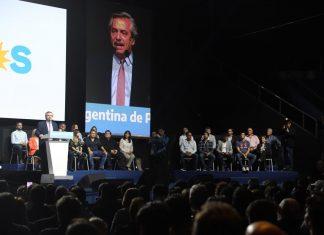 Federico Achaval participó del cierre de campaña de Alberto Fernandez