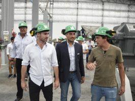 El ministro de medio ambiente, Juan Cabandie y el intendete de Pilar, Federico Achával, recorrieron la empresa Zewan del Parque Industrial