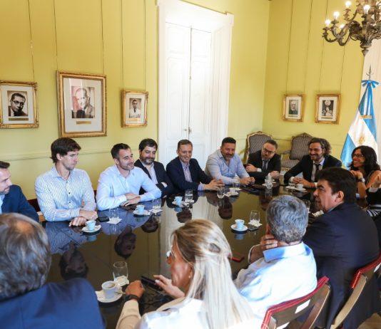 Se reunieron el jefe de gabinete, Santiago Cafiero, con intendentes del conurbano con el objetivo de cuidar el bolsillo de la gente