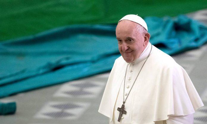 Francisco permanecerá internado