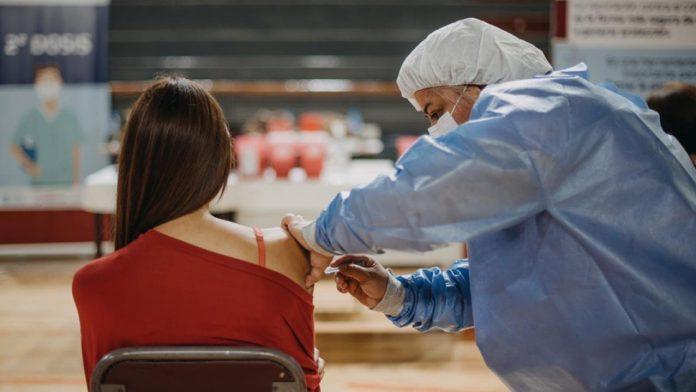 vacunación libre para mayores de 18